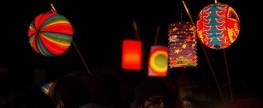Ševětín – pietní akt, lampiónový průvod a žonglér